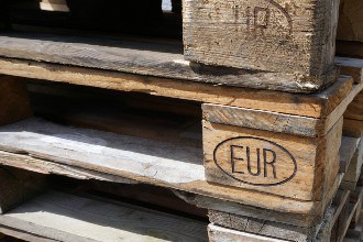 This shows European Pallets. Small image.